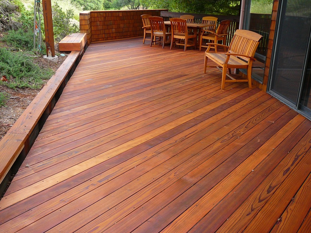 how to clean a wood deck naturally