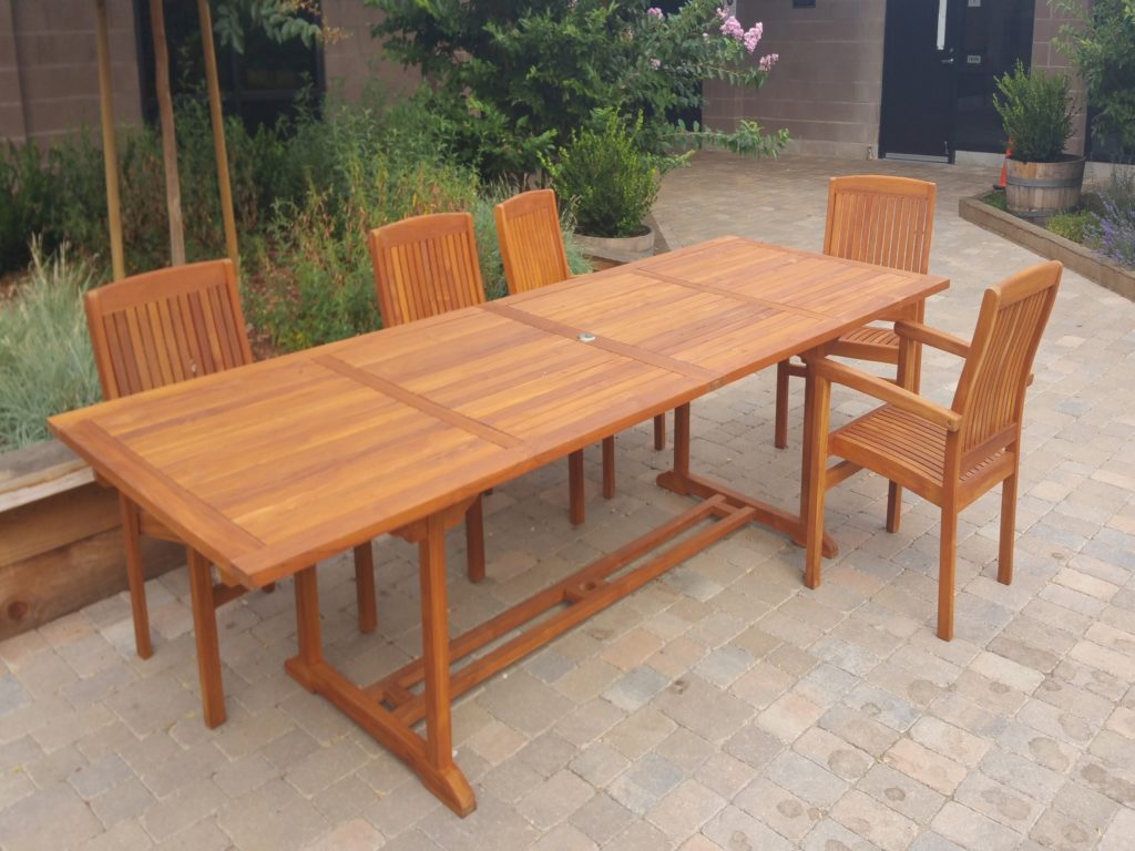 Teak furniture cal preserving for Teak wood patio furniture